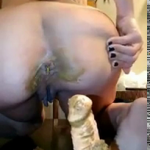 Gorgeous Babe Teases Us With Her Ass And Takes A Huge Dump For Us Live While Fucking Herself